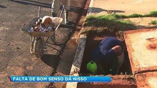 Prefeitura de Marília faz força tarefa para limpar sujeira acumulada nos bueiros