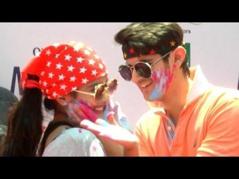 Rohan Mehra & Kanchi Singh celebrate Holi @ Zoom H