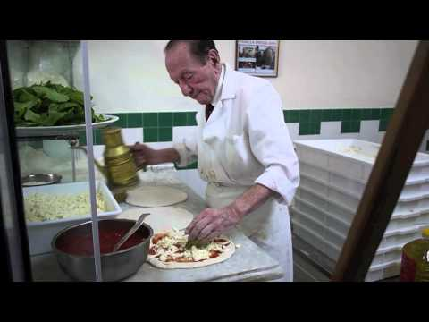 The Pizza of Naples in 2 Minutes