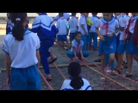 Nhảy sạp sân trường