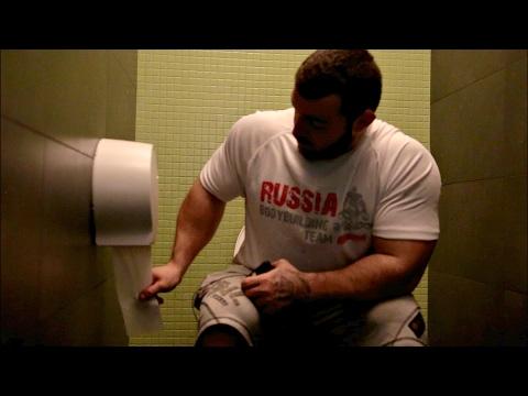 Главное для качка - туалетная бумага! (видео)