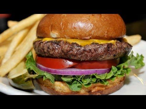 un giorno nella vita di un hamburger! divertentissimo!