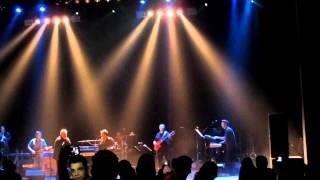 Ebi&Shadmehr 2013,Concert In Montreal-Hese Tanhai-کنسرت ابی، لحظه ورود ابی