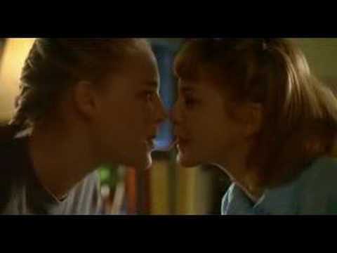 Arlene & Wendy (100 Girls) - First Kiss