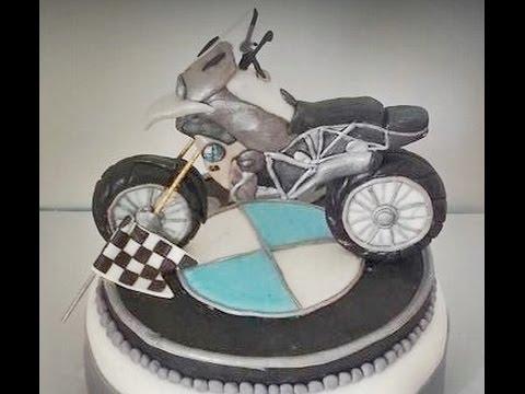 Торт с мотоциклом bmw снимок