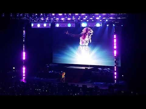 """Christina Aguilera performs """"Pero Me Acuerdo de Ti"""" at The X Tour in Monterrey, Mexico (12/03/19)"""