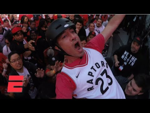 Toronto Raptors fans make Jurassic Park a heck of an experience | Hang Time With Sam Alipour