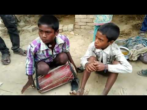 Video Garmi ke binwa char mahinwa tap Pat chuwe pasinwa download in MP3, 3GP, MP4, WEBM, AVI, FLV January 2017