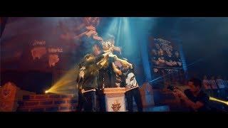 Garena Throne of Glory 2017 - Ngai vàng vinh quangGarena Throne of Glory 2017 đã khép lại một cách đầy cảm xúc với chức vô địch giành cho đội tuyển Monori Bacon tới từ Thái Lan. Những trận đấu đỉnh cao, tiết mục ca nhạc sôi động, màn trình diễn cosplay đẳng cấp quốc tế, tuyển thủ nữ Frozenkiss... tất cả đều sẽ là những kỷ niệm đẹp trong lòng người hâm mộ.•••••••••••••••••••••••••••••••❀ Tải Garena Mobile: http://mobile.garena.vn/🔹 Trang chủ: http://lienquan.garena.vn/🎁 Nạp thẻ: https://napthe.vn🌟 Kênh Youtube: http://bit.ly/YoutubeLQM🍻 Fanpage Esport Liên Quân Mobile: https://www.facebook.com/caothuLQM/