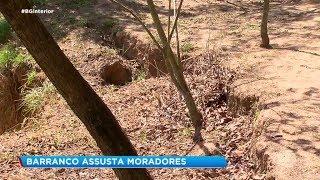 Moradores do Jardim Europa em Sorocaba vivem com medo de barranco ceder