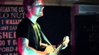 Ed Sheeran - Thinking Out Loud (Live in the Crowd, at the Ruby Sessions)