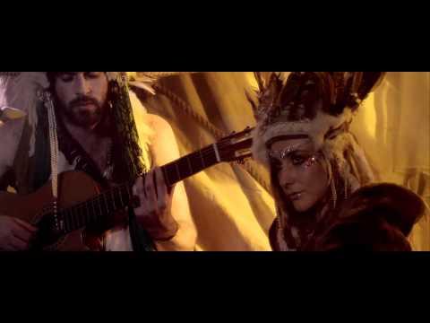 Tekst piosenki Crystal Fighters - Champion Sound po polsku