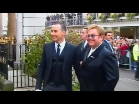 Elton John ties the knot