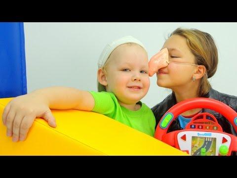 Видео для детей про АВТОБУС. Невероятные приключения Насти и Вовы. Водитель Автобуса и Пассажиры. (видео)