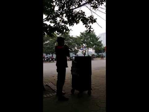 Nó [Chế linh] - hát rong đường phố - Lê Văn Hiệp