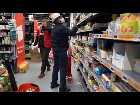 Eυρώπη: Ουρές στα σούπερ μάρκετ
