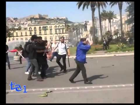 RENZI A NAPOLI: SCONTRI TRA MANIFESTANTI E POLIZIA