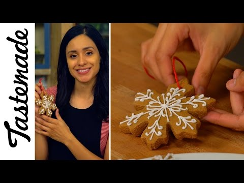 DIY Gingerbread Cookie Ornaments l The Tastemakers-Jessica Vargas