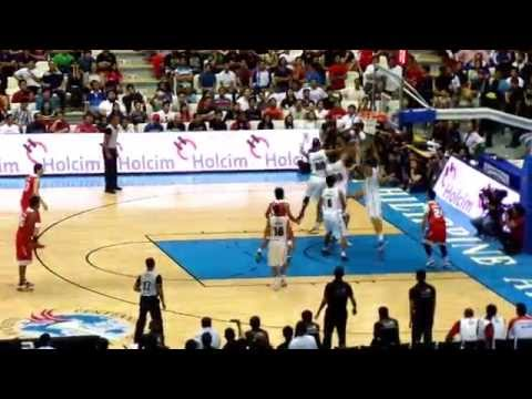 highlight - Manny Pacquiao's only highlight in Kia Sorento's first game in the PBA season opener held at the Philippine Arena.