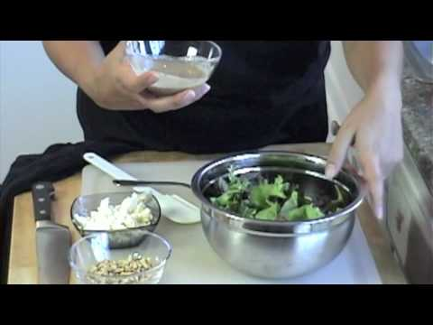 Mediterranean Diet: How to Make a Simple Mediterranean Tossed Salad
