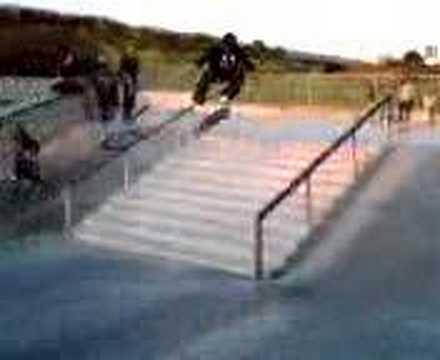 Kevin Romar 360 flips Etnies Skatepark 11.
