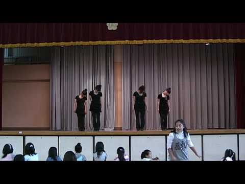 平間小学校PTAフェスティパルで、平間幼稚園ダンス教室が