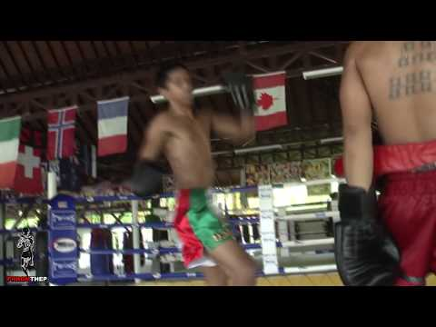 mbenson001 - http://www.patongmuaythai.com http://www.thailandmuaythai.com Carlos is a 16 year old mexican living in Dubai.I believe he has a tonne of potential & I hope ...