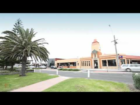 esplanade lakes - ICONIC LAKES ENTRANCE CENTRAL HOTEL • Brand new Restaurant for 200 diners • Brand new 280m2 Bottleshop • Accommodation / Motel with private pool • Conference...