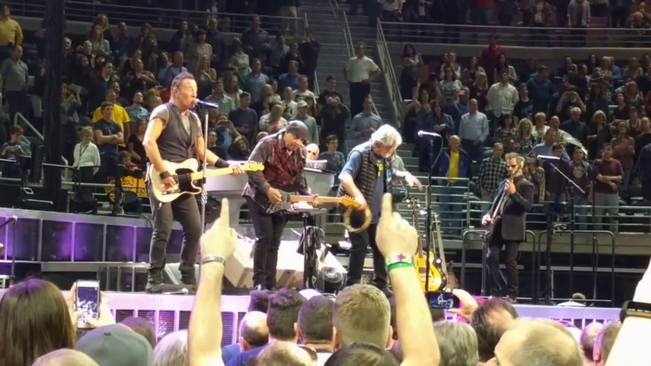 See Bruce Springsteen Whip, Nae Nae and Dab at Oakland Concert news