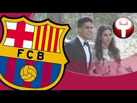 Bartra, arropado por los jugadores del Barça en su boda