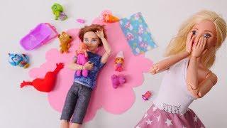 Video Barbie bebeği babasına bırakıyor. Bebek bakma oyunları MP3, 3GP, MP4, WEBM, AVI, FLV Desember 2017
