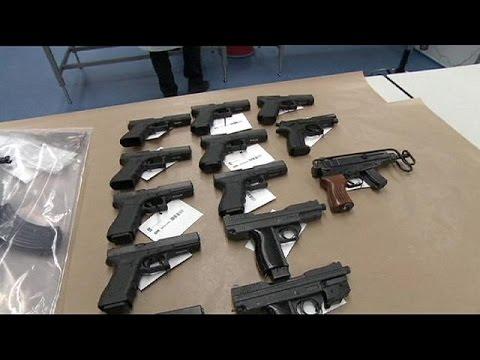 Ολλανδία: Δεκάδες όπλα στα χέρια συμμορίας- 8 συλλήψεις