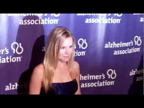 Kristen Bell arrives at 20th Anniversary Alzheimer's Association