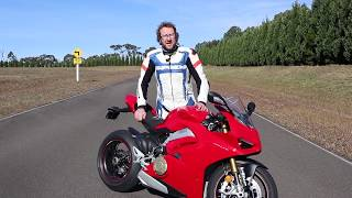 10. 2018 Ducati Panigale V4 S Review on Track