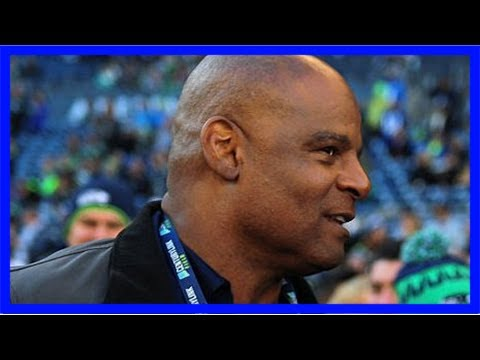 Warren moon takes leave of absence from seahawks radiobroadcasts