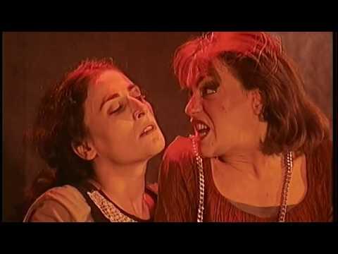 مسرحية الخادمتان اعداد واخراج مسرحي جواد الاسدي مسرح بابل - لبنان 1996