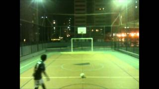This is the first video of the channel, just a few attempts of FK's, bad quality, sorry, recorded with an iPod 4G and an iPhone 3GS. Rafael 17 y.o. with #10 Santos ...