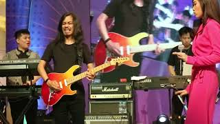 Video Keep Being You by ISYANA SARASVATI @Sunsilk Kilau Fest MP3, 3GP, MP4, WEBM, AVI, FLV April 2019