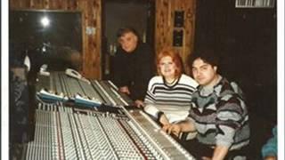NEŞE KARABÖCEK / ÖLDÜĞÜMÜ UNUTURUM / 2001 / HASAN DÖVEN NOSTALJİ