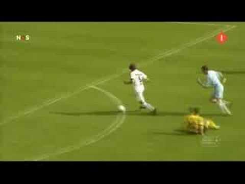 jouwpagina - De tweede Goal van de Week!! Stem op http://voetbalfilmpjes.jouwpagina.nl voor het beste doelpunt! 1) Martens 2) Kwakman 3) Elyounoussi 4) Dissels Stemmen du...