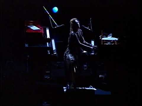 Tori Amos - (Tweeter Center) Camden,Nj 8.26.03 (Complete Show)