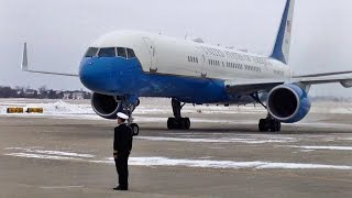 Waterloo (IA) United States  City new picture : President Obama Landing in Waterloo, Iowa