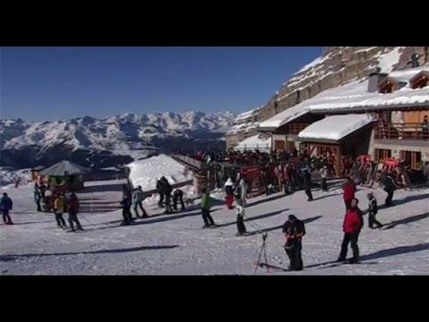 Welche Versicherung zahlt im Skiurlaub?
