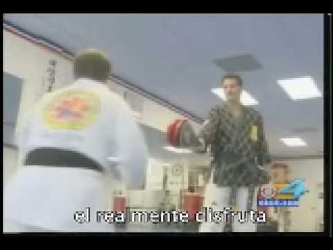 Watch video Síndrome de Down: Cinturón negro en karate