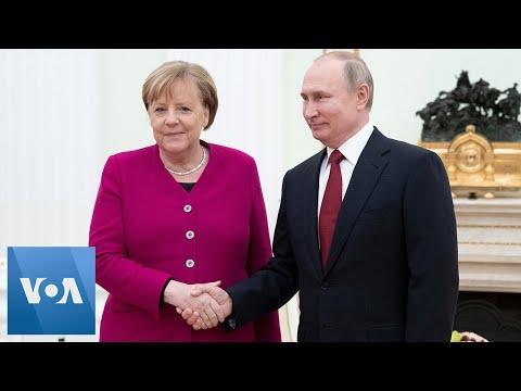 Putin and Merkel Meet in Moscow