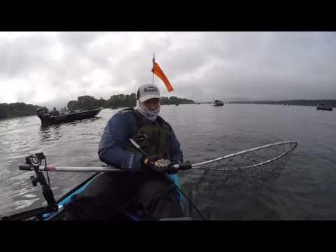 Kayak Fishing for Salmon Columbia River_Horg�szat vide�k