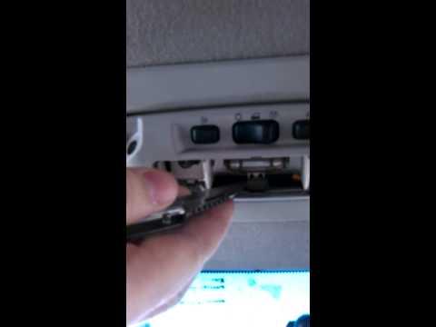 Как снять плафон освещения салона на форд куга 2 фотография