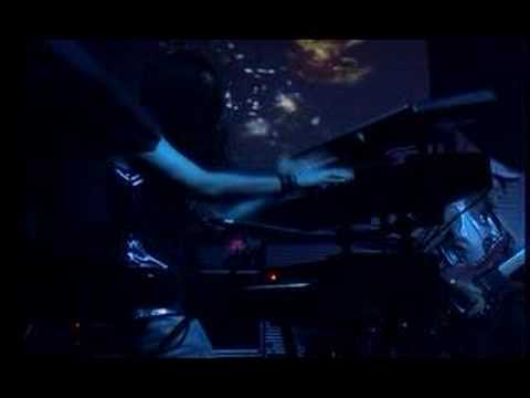 Star One - Amazing flight in space (LIVE) online metal music video by STAR ONE