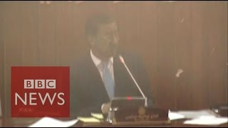 Taliban attack: Moment bomb hits Afghan parliament - BBC News