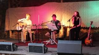 Video Falling slowly - cover by Mirka Volfová & Stabilní Duoda